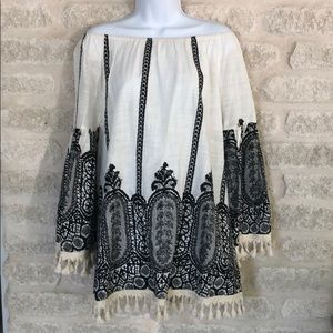 Velzera boho top black and cream fringe tassels M